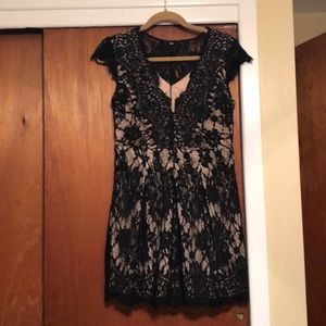 Dresses & Skirts - Black lace dress with nude underlay